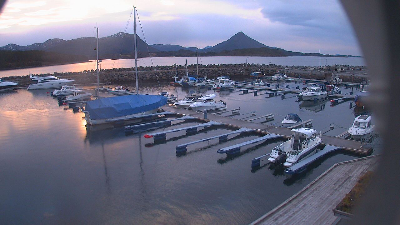 Elnesvågen - Elnesvågen småbåthavn (01)